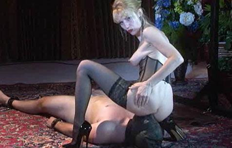 Testing a slave 5 BDSM Movie